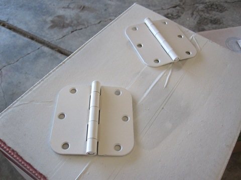 spraying-door-knobs-silver