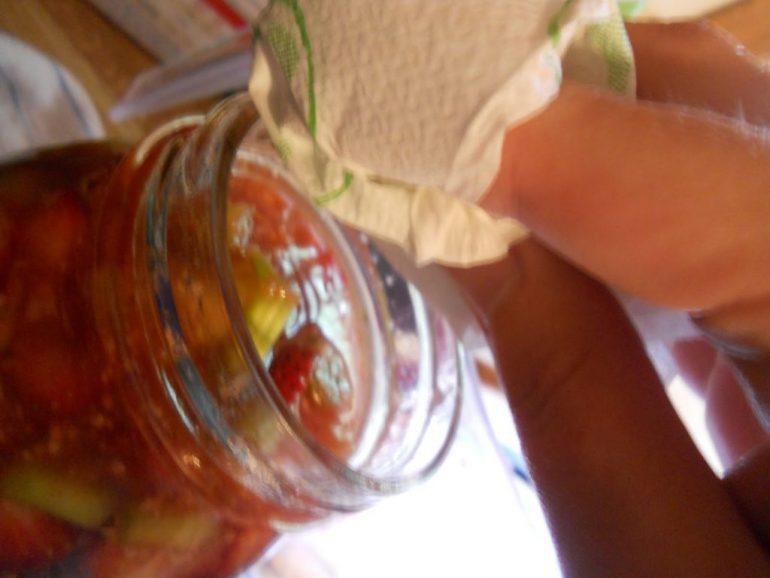 canning-rhubarb-strawberry