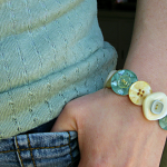button_bracelet