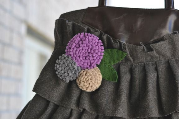 felt-flower-pin_thumb