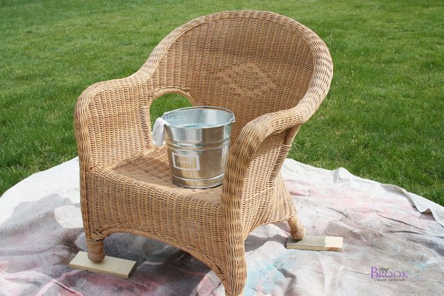 Spray Painted Wicker Chair Infarrantly Creative