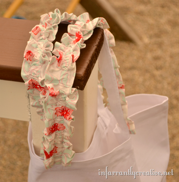 ruffled_bag_straps