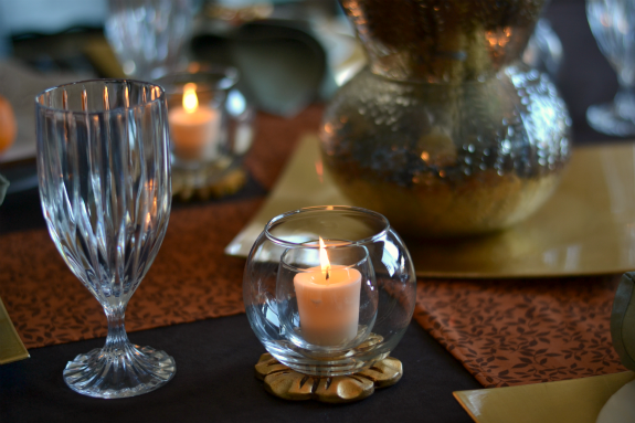 candle_on_thanksgiving_table