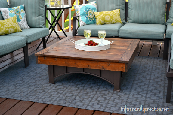 stenciled_outdoor_rug_thumb