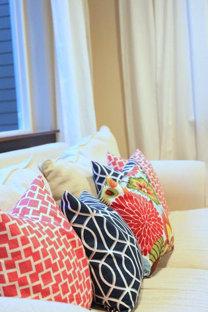 Lovesome envelope pillow tutorial