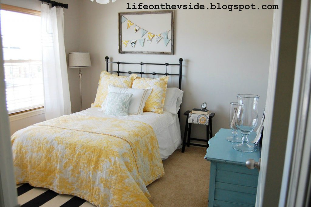 5 ways to get this look aqua and yellow living room