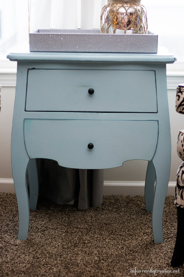 robins egg chalk painted table