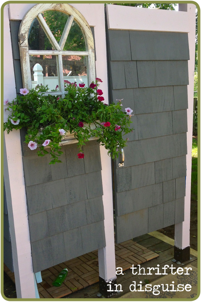 How to make an outdoor shower - Outdoor Shower Enclosure