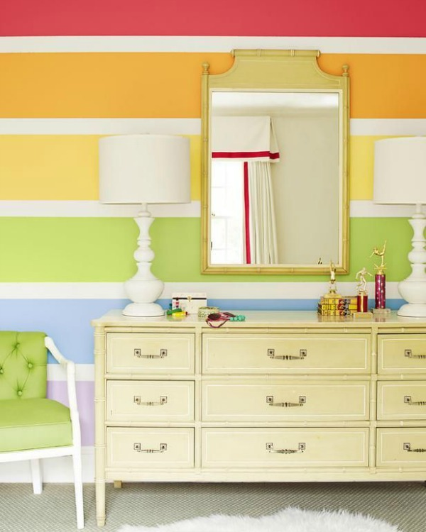 bedroom-rainbow-stripe-accent-wall