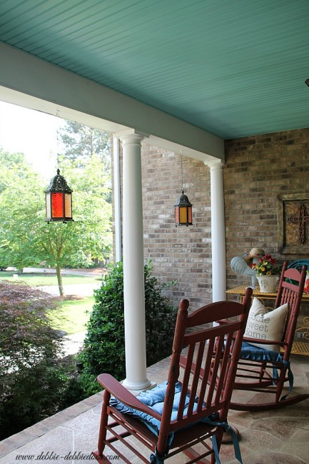 haint-blue-porch-ceiling