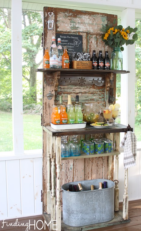 vintage-door-beverage-station