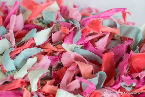 how to make a lighted rag garland
