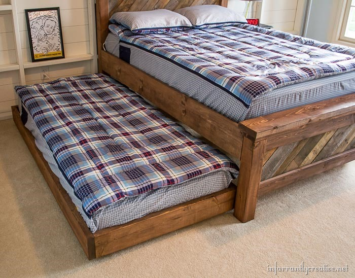 DIY Rolling Trundle Bed Plans - Infarrantly Creative