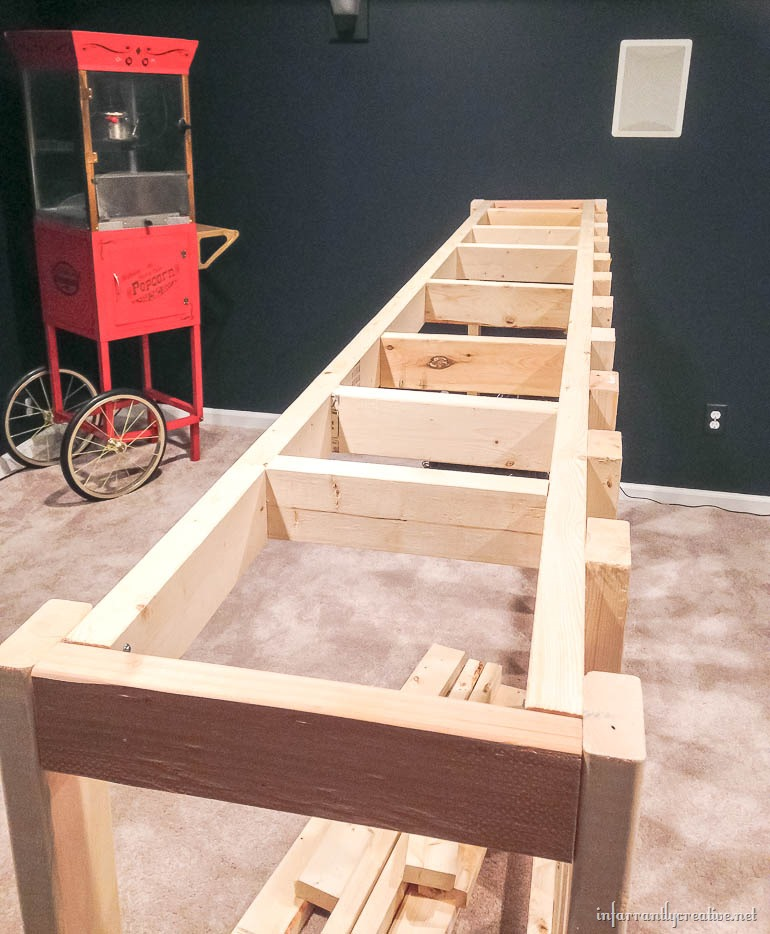 Man Cave Bar Build : Man cave wood pallet bar free diy plans infarrantly