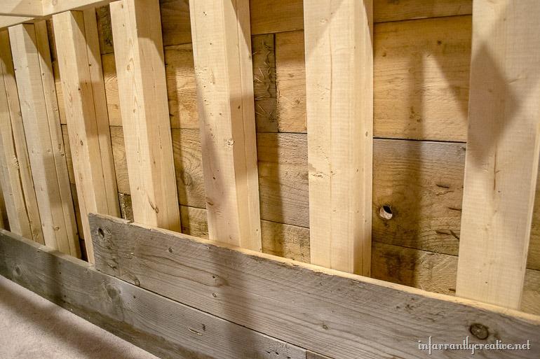 Man Caves Diy Application : Man cave wood pallet bar free diy plans infarrantly