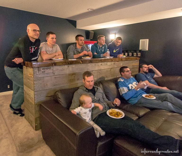 Man Cave Eats : Man cave wood pallet bar free diy plans