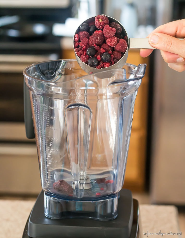 how to make berry syrup with frozen berries