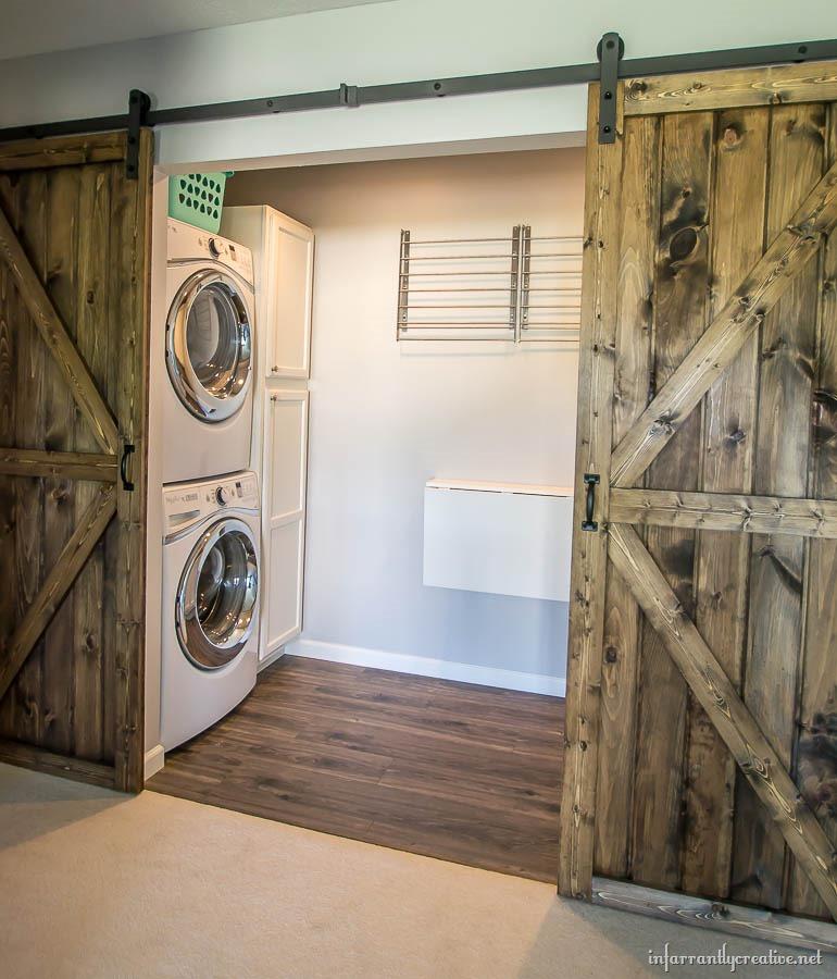 Flight Bathroom Door: DIY Double Barn Door Plans