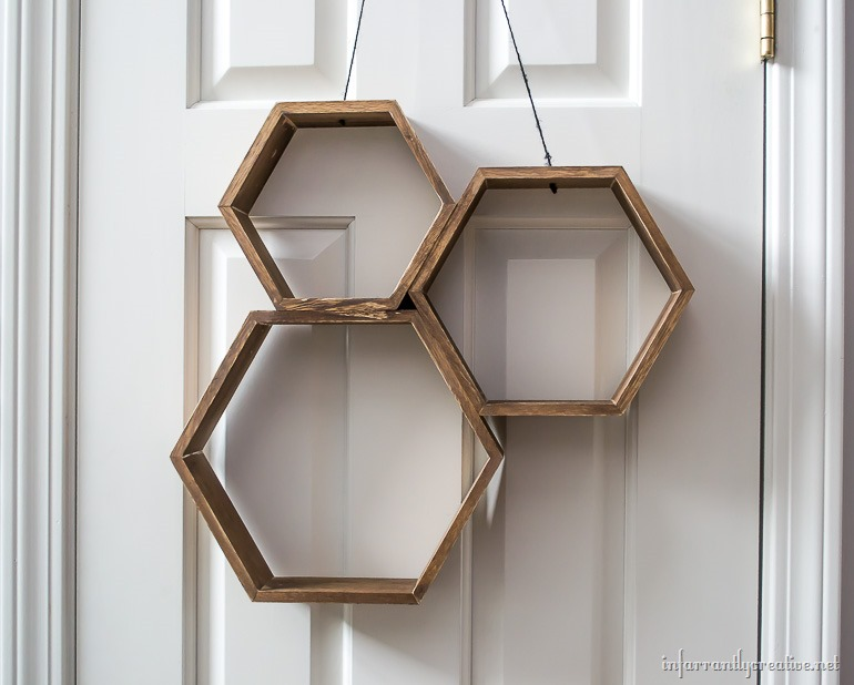 hanging-hexagon-wreaths